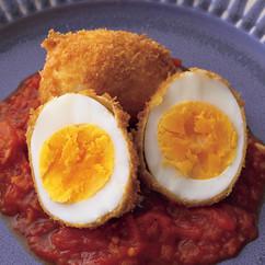ゆで卵まるごとフライトマトソース