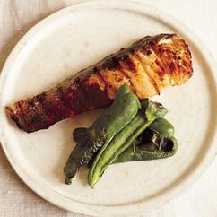 鮭のヨーグルトみそ漬け焼き
