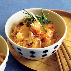 豚キムチのコクうま炊き込みご飯