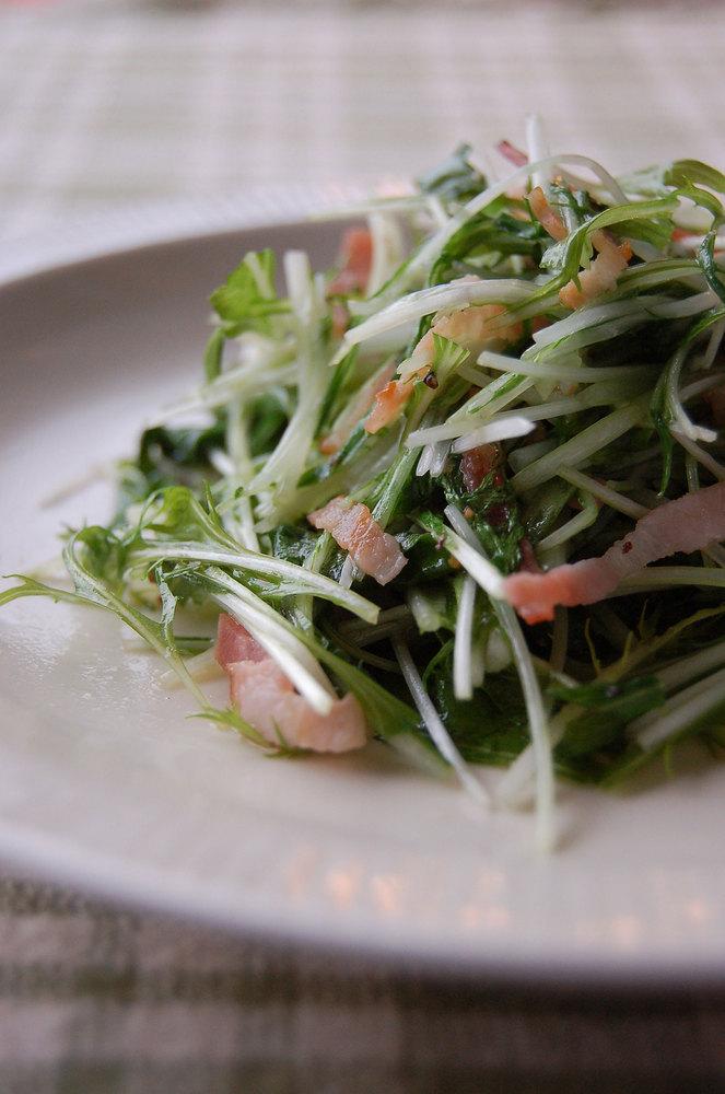 しゃきしゃき水菜のガーリックベーコン炒め