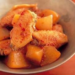 鶏手羽先と大根のピリ辛煮