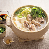 骨つきどりの白湯(パイタン)風鍋