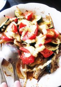 トマトとズッキーニのマヨネーズ焼き