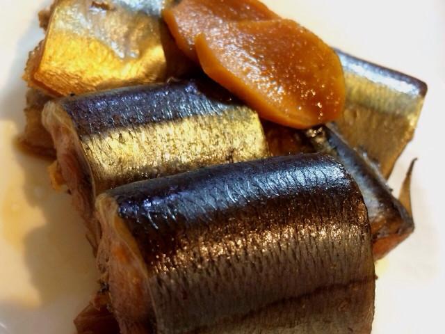 圧力鍋使用 骨まで食べられる秋刀魚の梅煮