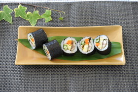 夏バテ予防野菜たっぷり巻き寿司