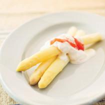ホワイトアスパラガスのルバーブクリーム