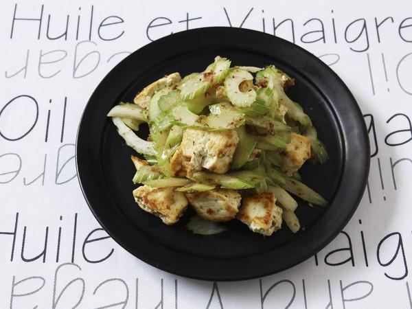 セロリと豆腐のゆずこしょう炒め