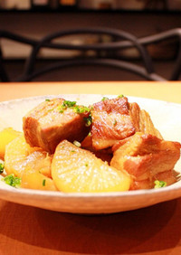 ダッチオーブンで!大根と豚の角煮