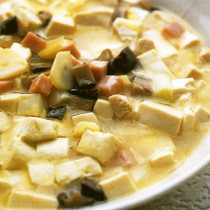 三種の具と豆腐の煮込み