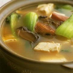 手羽先と豆腐入り鍋物