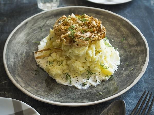 ポテトと揚げごぼうの サクサクサラダ