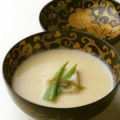 豆腐のすり流し 白味噌仕立て