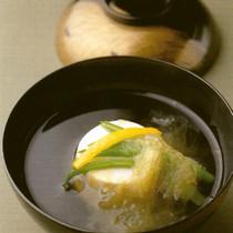 満月豆腐 とろろ昆布仕立て