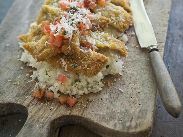トマトソースのミラノ風カツレツ