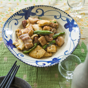 豚ばら肉と豆腐の黒酢炒め