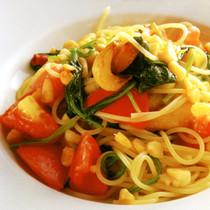 小柱入りニンニクと赤唐辛子のスパゲティ