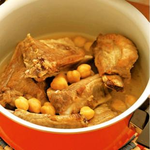 【スペアリブ】ひよこ豆のスープ煮