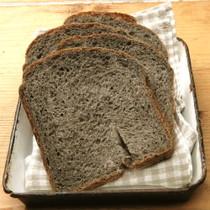 ゴマ豆乳パン