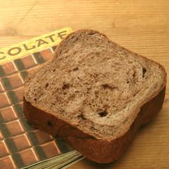 チョコシロップとチョコチップのパン
