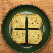 カレー風味の豆パン