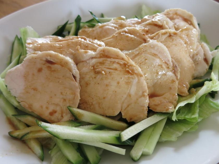 茹で鶏の甘辛マヌカソース掛け