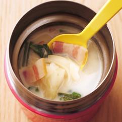 ベーコンの豆乳スープ