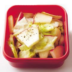 キャベツとりんごのサラダ