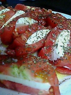 旦那様作♡トマトとモッツァレラの前菜♪