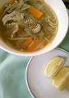 きのこ 豚肉の ナンプラー 塩スープ