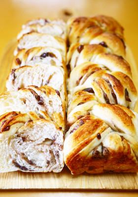 スクエア型で作る★三つ編みあん食パン