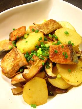 鮭とじゃがいものにんにくバタポン炒め