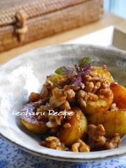 定番ソース味★ジャガイモの鶏そぼろ煮の写真