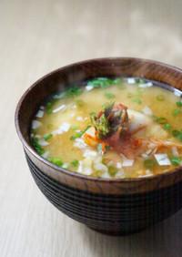 簡単!調理いらずのキムチ入り味噌汁