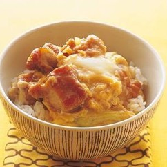 鶏肉のから揚げの卵とじ丼