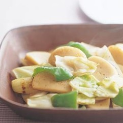 かまぼこと野菜の炒め物