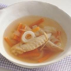手羽先の先端と野菜のスープ