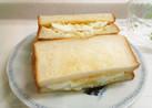 茹で卵とキャベツのコールスローサンド