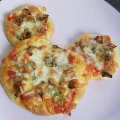 可愛い♪ミッキーピザ*型なしで簡単!