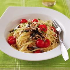 オイルサーディンとミニトマトのパスタ