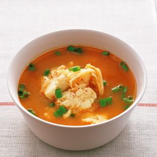 キムチ入り豆腐スープ