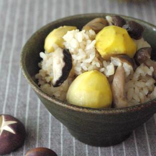 秋の恵みの栗きのこ飯