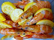 バーベキューなら海老の塩レモン焼きの写真