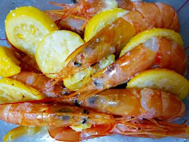 バーベキューなら海老の塩レモン焼き
