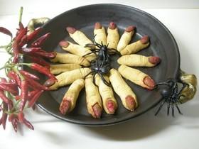 ハロウィン☆指クッキーは魔女の赤ネイル
