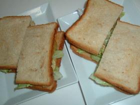 カジキマグロのカレーソテーサンドイッチ