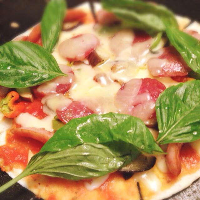 ホットプレート・トマトピザ 簡単!