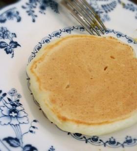絹豆腐でフワフワの分厚いホットケーキ