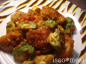 ニンニク鶏とアボカドのトマト煮
