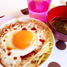 簡単朝ごはん!5分で焼肉風味目玉焼き丼☆