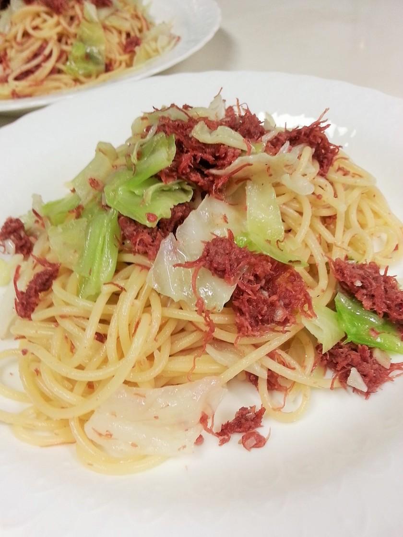 コンビーフとキャベツのスパゲッティ